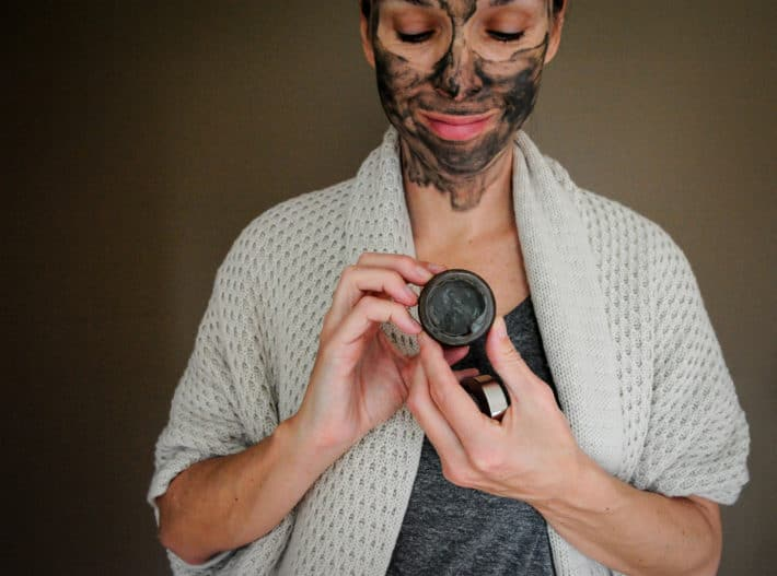 uncapping True Botanicals Pacific Glacial Clay Detoxifying Mask