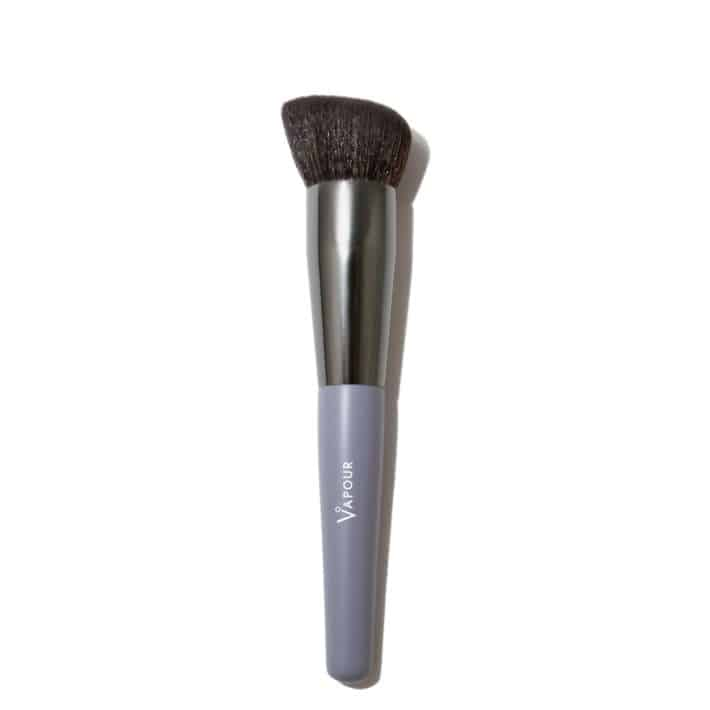 Vapour liquid foundation brush with details on the brush and handle