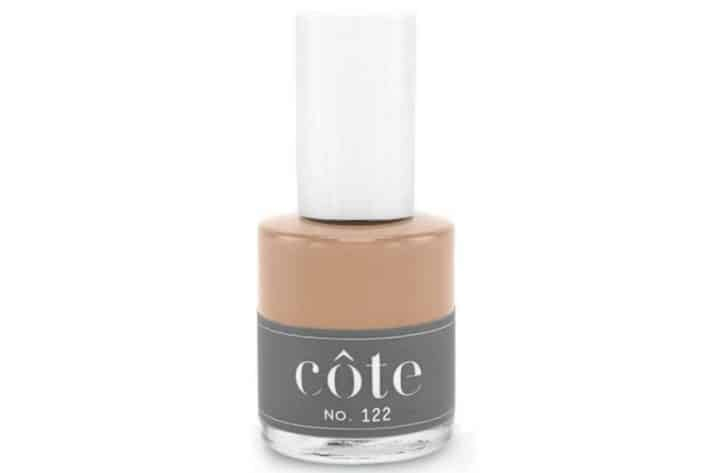 Bottle of nude nail polish Côte No. 122